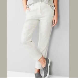 NWT Gap Tailored Crop In New Off White (2R)